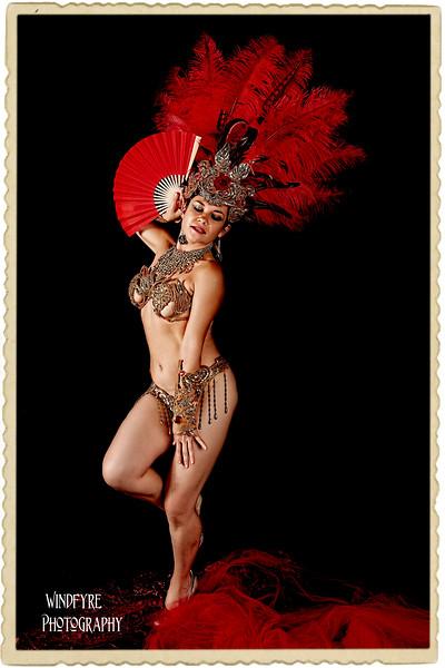 Dina Burlesque