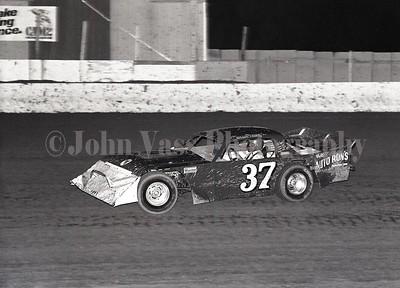 Rollie Frink 34 Raceway 1985 375
