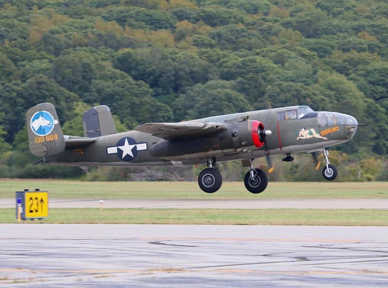 B-25J [NL3476G] 44-28932 'Tondelayo'