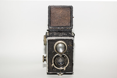 1929 Rolleiflex. This was one of the first production years for Rollei's TLR's.