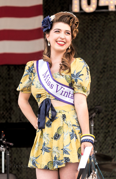 Model: Shayla Cox