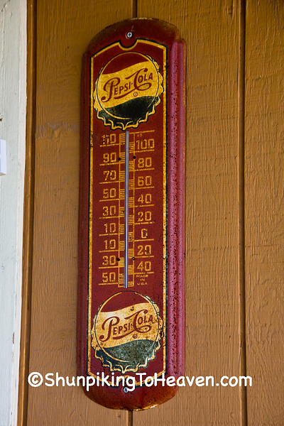 Pepsi Thermometer, Staunton, Illinois