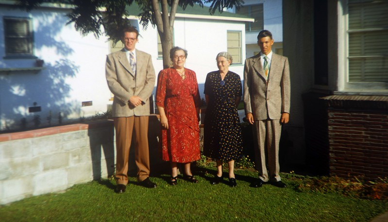 Frank & Tom Clouse with their Grandmothers (Xena Pearl Ashbaugh Scranton, mother of Gladys) and Wilmia Ellen Maxwell Clouse (mother of the Alvin)