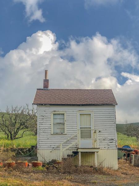 LIttle ranch house