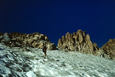 Slightly blurry, but that's me heading up the snowfield towards the col.