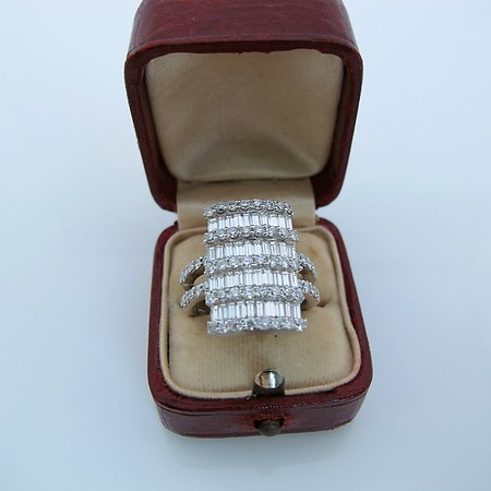 2.50tcw Round and Baguette Diamond Dinner Ring