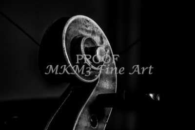 Dark Scroll Antique Violin Picture 1732.37