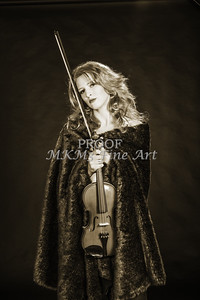 225.1854 Violin Musician Black and White