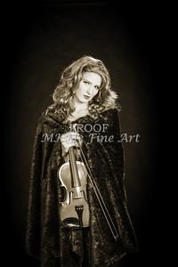 201.1854 Violin Musician Black and White
