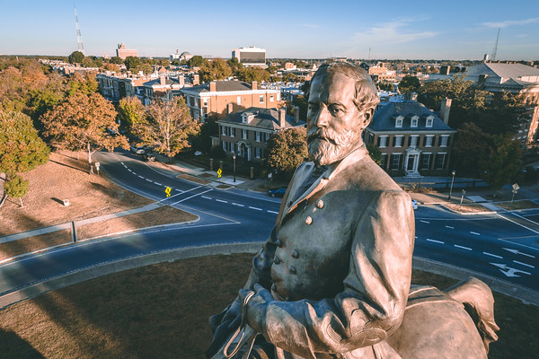 Robert E. Lee Monument — Angle Close Up