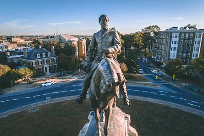 Robert E. Lee Monument — Straight Close Up