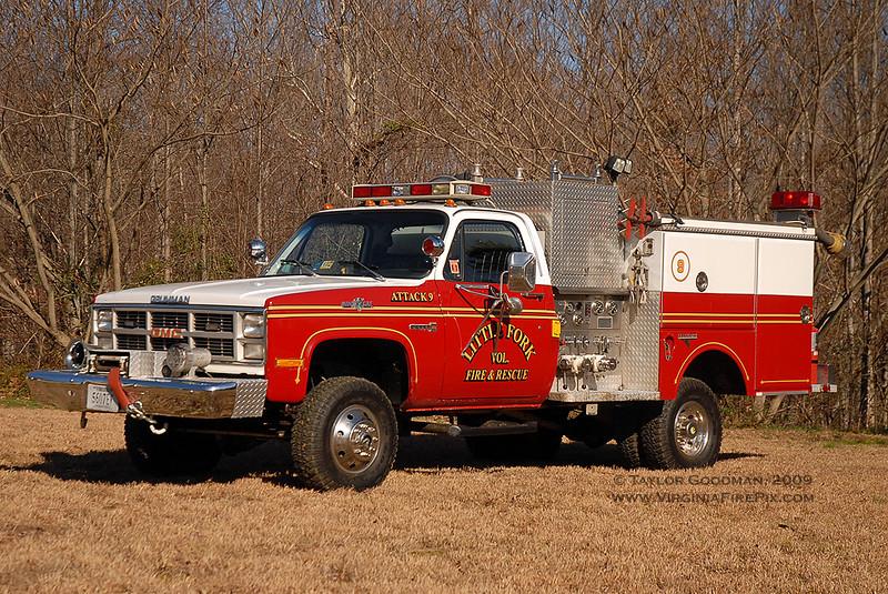 Little Fork VFD<br /> Culpeper County, VA<br /> Attack 9<br /> 1983 GMC Sierra 3500/Grumman 250/300<br /> ex Lake Jackson VFD (Prince William County, VA)