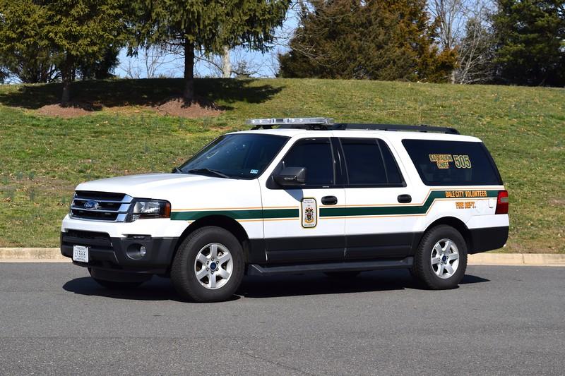 Battalion Chief 505, a 2017 Ford Explorer.