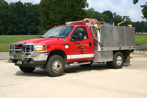 Fire 425 at Keeling, VA is this 2001 Ford F350/Fouts Bros.  300/300/10.  Photographed in 2008.