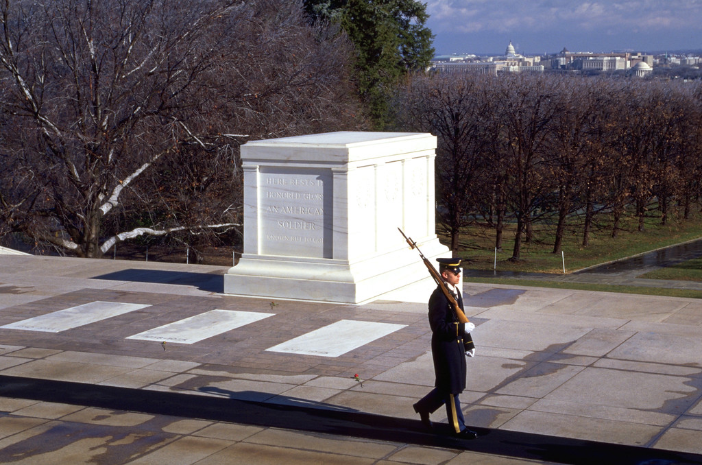 unknown soldier tomb