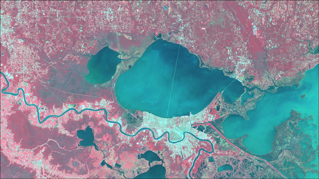 Near Infrared image of New Orleans, LA (Landsat 7).