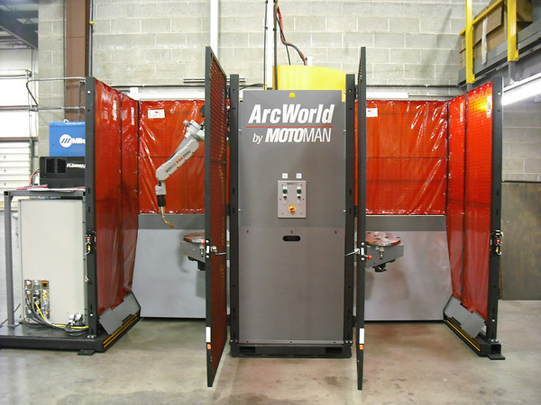 Motoman ArcWorld Robotic Welding Cell