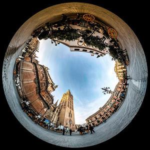 Visions-Catedral-de-Sevilla-La-Plaza-del-Triunfo-1