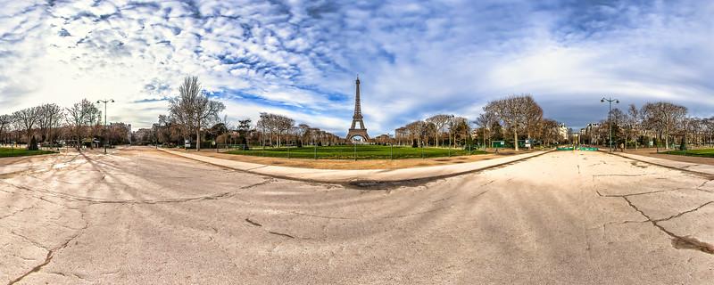 Eiffel Tower – (Av. Charles Risler – Rue du Champ de Mars)
