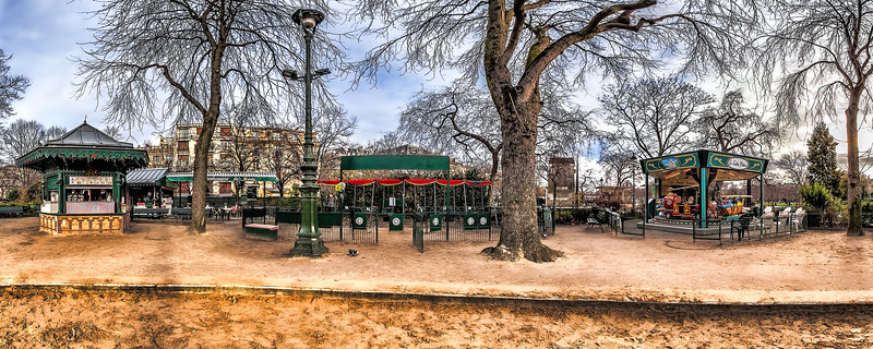 La Bonbonniere de Marie – 1900th. Swings Playground