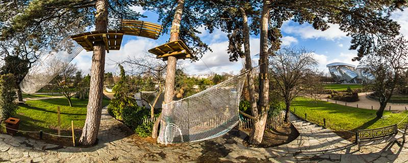 La tyrolienne - Le Jardin d'Acclimatation