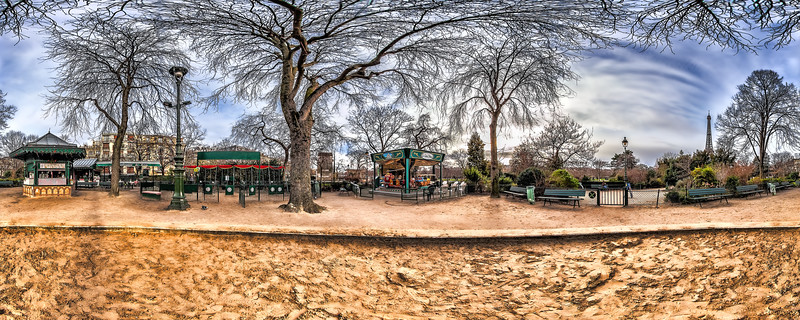 La Bonbonniere de Marie – 1900th. Swings Playground
