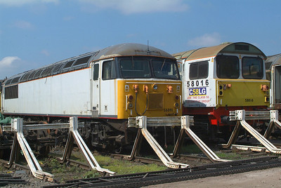 Unbranded 56091 and 58016, the Class which replaced the originally planned last few 56's.