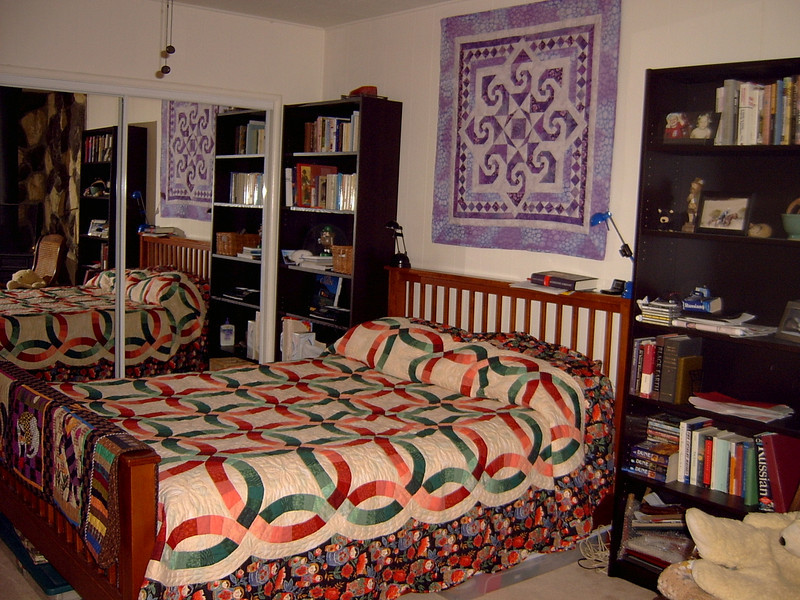 02/04 Quilts adorn Jen's Key Blvd house