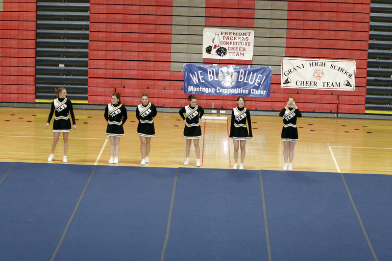 013107_CompCheerLeagueTriCountyJVRound2_013