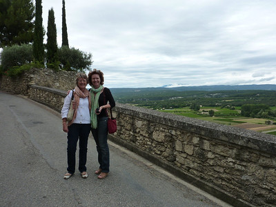 Sheryl and Tracey, Menerbes