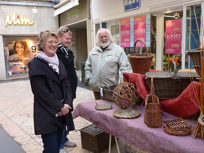 Sheryl and Neil Pulbrook with basketmaker, Apt market