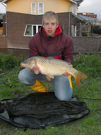 2008-04-30 hele Koninginnedag vissen met Vincent