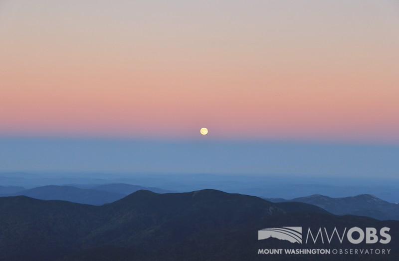Full Moon Rising, 27 Sept 2015