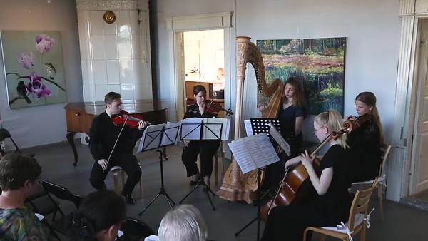 Kamariorkesterin esityksen tallentaminen konsertissa