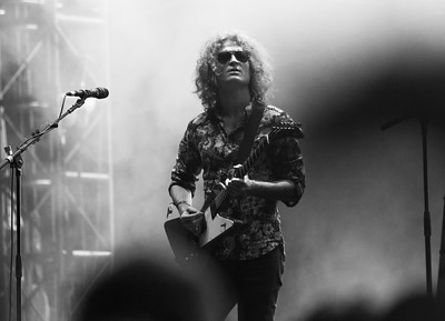 Guitarist, Dave Keuning, playing the song he wrote; Mr Brightside