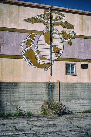 The Marine Corps emblem.