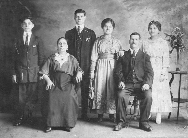 Spatafora Family around 1915.