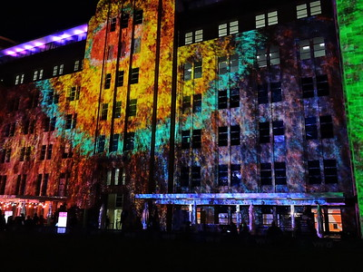 Art projected onto side of Museum of Contemporary Art Australia - photo by Pam Baker