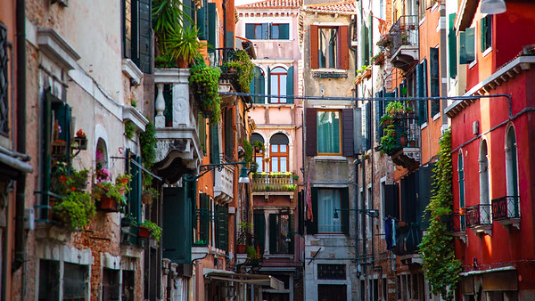 Perfect Venetian Courtyard