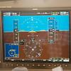 Horizon, snelheid, hoogte en koers op het linker scherm