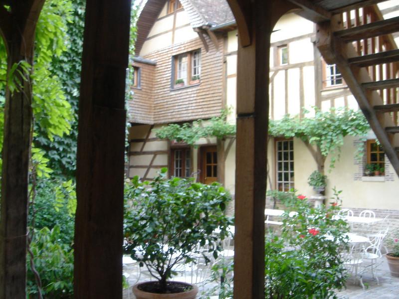 Troyes: binnenplaats van ons hotel