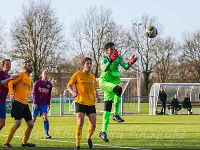 01-02-2020: Voetbal: CSW v DVVA: Wilnis ZATERDAG 2E KLASSE A Keeper Daan Waleson van DVVA onderschept de inzet