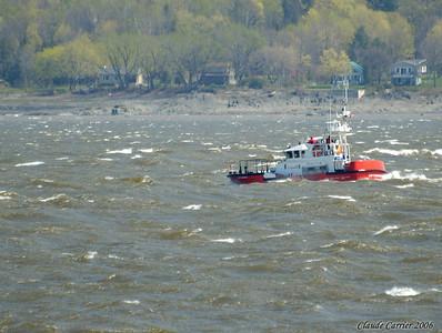 Garde-côtière vague fleuve marina st-laurent