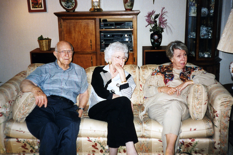 Dad, Aunt Helen, Bobbye Glass