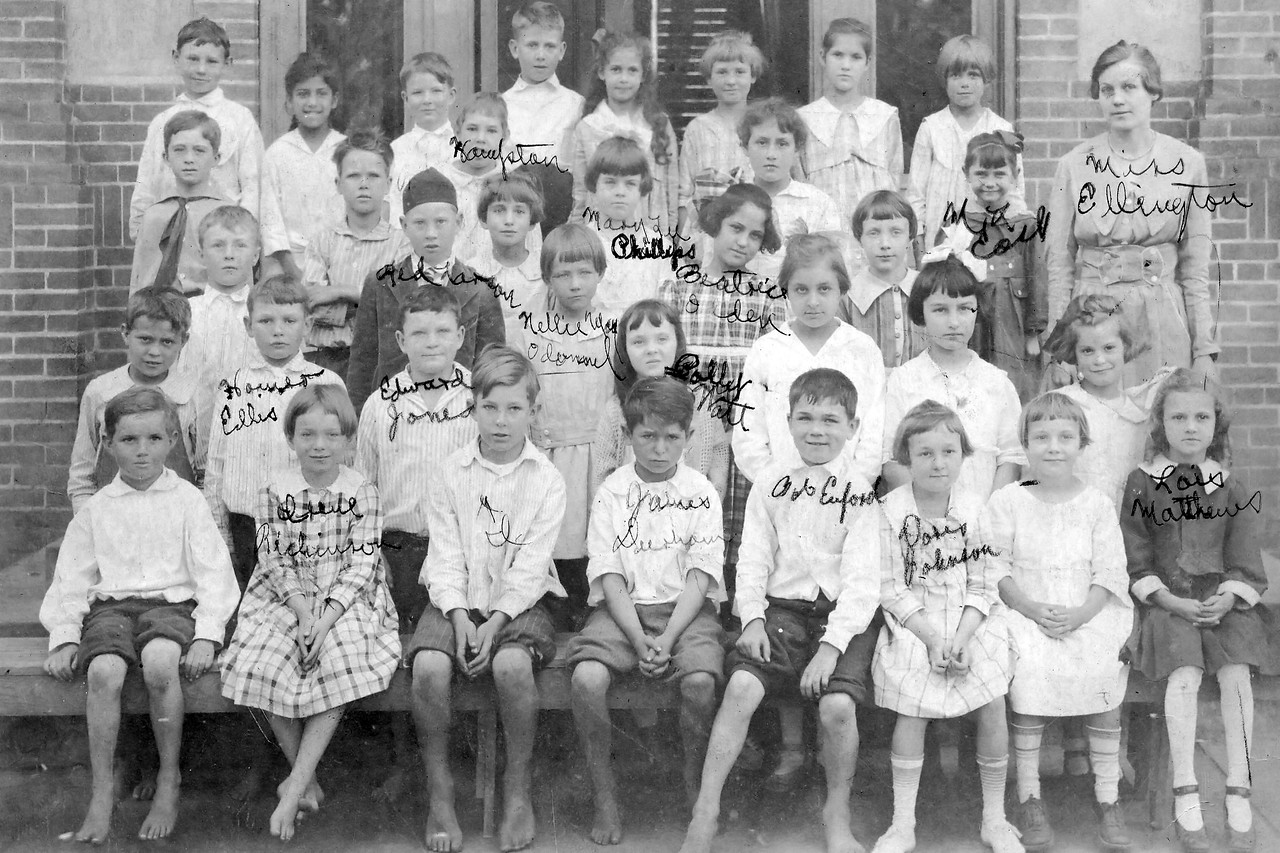 Byron Pipes, Early Grade School Class