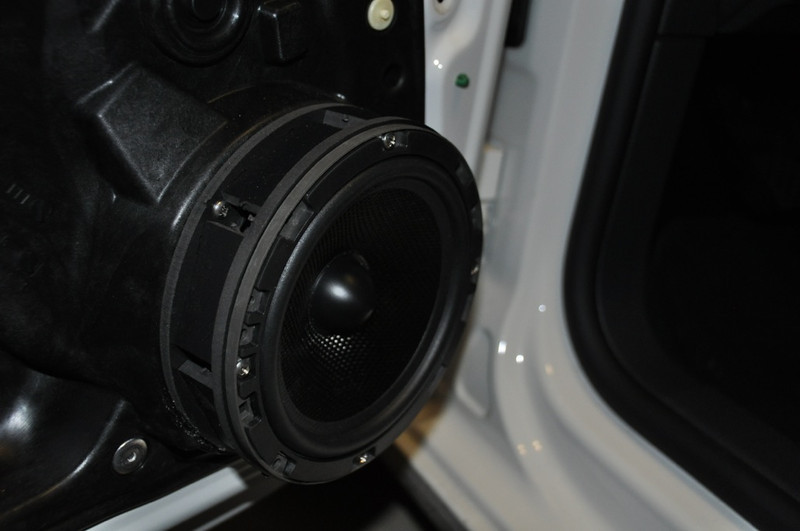 """Aftermarket speaker and speaker spacer from   <a href=""""http://www.car-speaker-adapters.com/items.php?id=SAK023""""> Car-Speaker-Adapters.com</a>   mounted on door"""