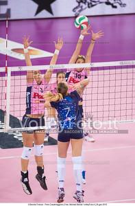 Chiara NEGRINI, attacca contro, Katarzyna SKORUPA, Jovana STEVANOVIC, muro