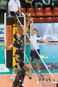 Goran Vujevic (Perugia), Zhukouski Tsimafei (Ravenna) Sir Safety PERUGIA vs CMC RAVENNA  9ª Giornata andata, Campionato Italiano di Volley Maschile, Serie A1 - 2012/13