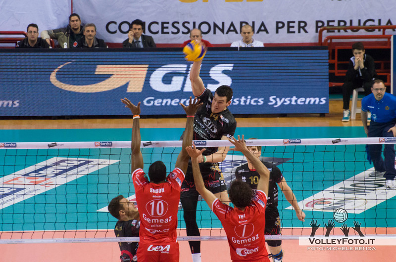Edgar Thomas (Perugia) attacca contro SIMON e PAPI a muro