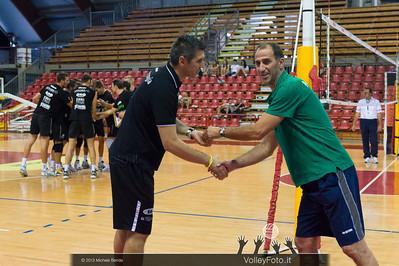 stretta di mano tra allenatori